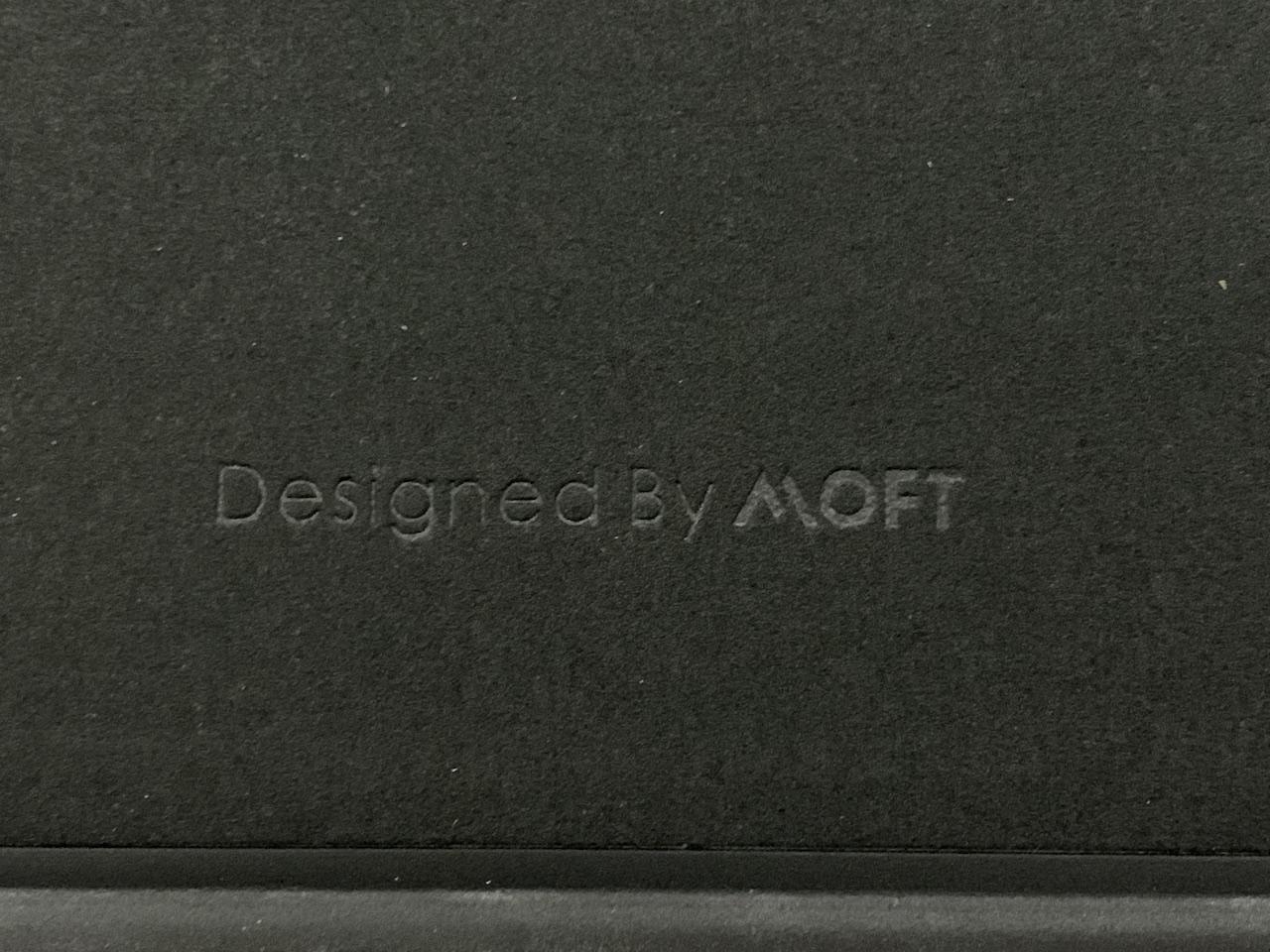 MOFT Floatの本体に表記されているロゴ